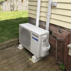 Outdoor condensing unit